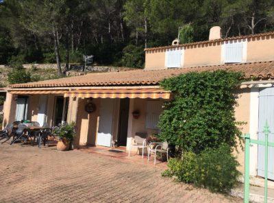 Villa T6 avec studio sur 4673m² terrain