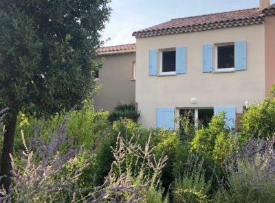 Villa T4 récente avec jardinet et garage