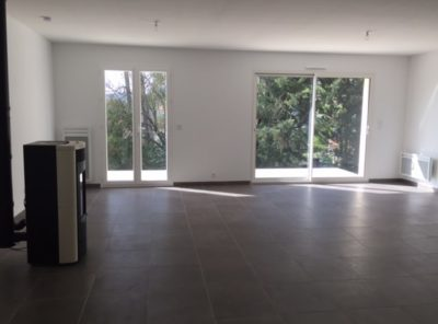 Villa récente Type 4 plain pied garage