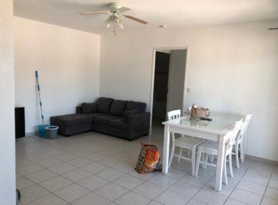 Appartement type 2 meublé avec garage et loggia dans résidence récente