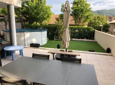 Appartement récent Type 4 avec jardinet et garage dans belle résidence