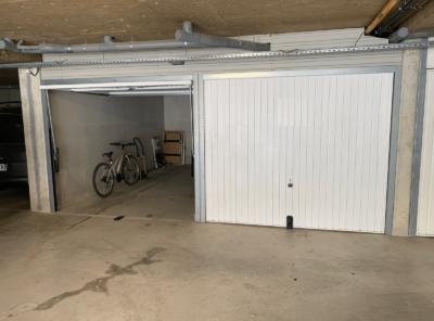 Garages dans résidence récente