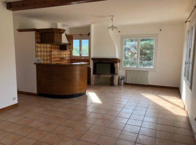 Appartement ensoleillé type 3 de 77m² dans petit immeuble calme