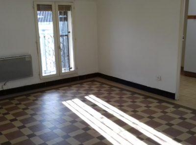 Appartement type 2 au 3e étage d'un immeuble