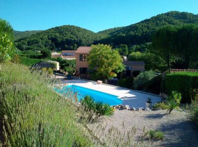 Belle villa Type 5 avec piscine et garage sur 1258m² de jardin