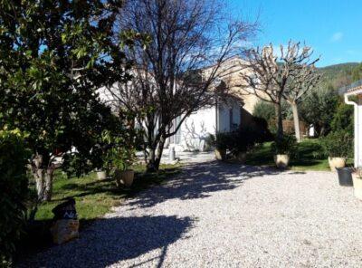Maison de Type 3 sur 764m² de jardin