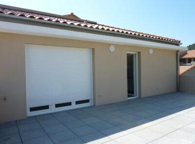 Bel appartement type 3 avec grande terrasse et garage